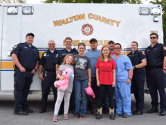 MOTHER AND DAUGHTER REUNITE WITH FIRST RESPONDERS WHO SAVED THEIR LIVES