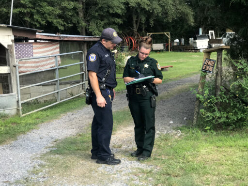 First Responders share information with walton county a deputy