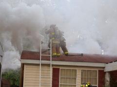 WALTON COUNTY FIRE RESCUE FIREFIGHTERS BATTLE RESIDENTIAL FIRE IN FREEPORT